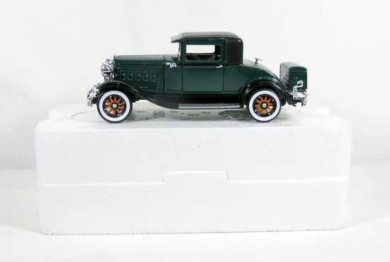 Diecast Replica of 1930 Hudson from Signature Models for National Motor Mus