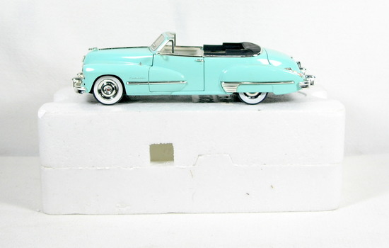 Diecast Replica of 1947 Cadillac Series 62 Soft Top from Signature Models f