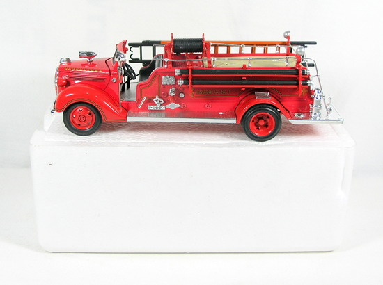 Diecast Replica of 1938 Ford Fire Engine from Signature Models for National