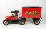 Ertl Diecast Replica of 1918 Ford Model T Runabout with Delivery Trailer