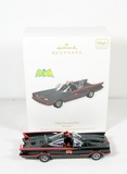 2011 DC Comics 1966 Batmobile Hallmark Ornament. Battery Operated Plays Bat