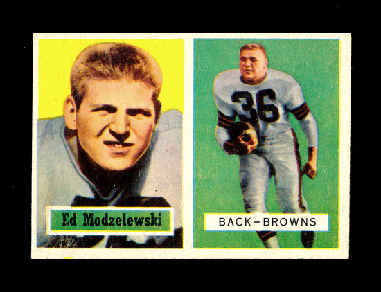 1957 Topps Football Card #127 Ed Modelewski Cleveland Browns.
