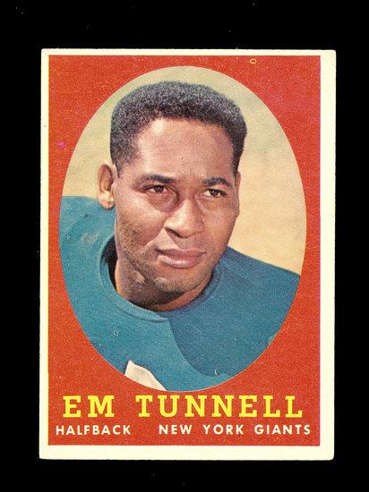 1958 Topps Football Cards #42 Hall of Famer Emlen Tunnell New York Giants.