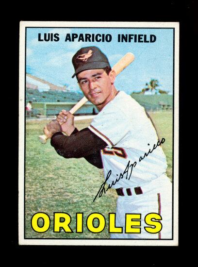 1967 Topps Baseball Card #60 Hall of Famer Louis Aparicio Baltimore Orioles