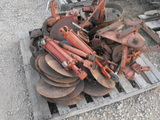 PALLET OF MISC PLANTER PARTS