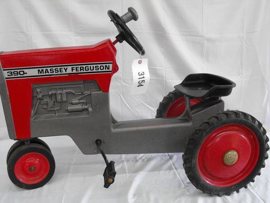 MASSEY FERGUSON 390  NF PLASTIC SEAT & STEERING WHEEL