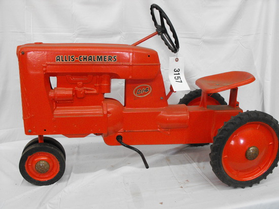 ALLIS-CHALMERS D14  NF METAL SEAT & STEERING WHEEL