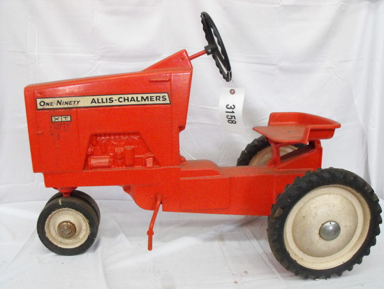 ALLIS-CHALMERS ONE-NINETY XT  NF  METAL SEAT & STEERING WHEEL