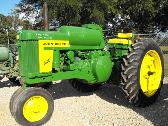 JOHN DEERE 620  LP  P/S   ENGINE IS FREE/NON-RUNNER