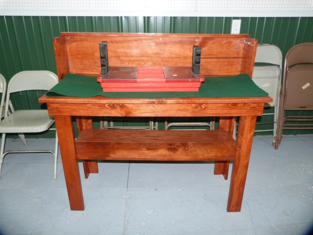 Fabulous Lot Gun Work Bench Solid W Case Gard Tool Stand Felt Beatyapartments Chair Design Images Beatyapartmentscom