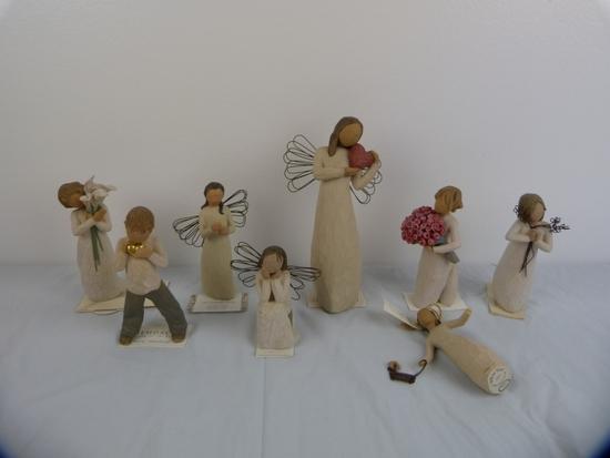 8 Willow Tree figurines -