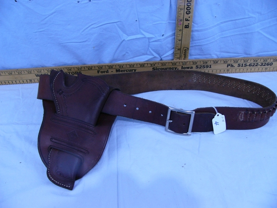 "Hunter 122 - large ammo belt with Bower leather holster, 48"" L"