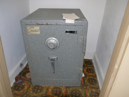 """Guardall floor safe - 20"""" D x 22"""" T x 15"""" W with combination, one roller not attached"""