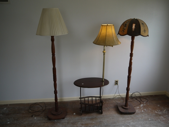 3 pieces: lamps and end table