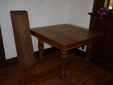 Antique oak dining table with 4 leaves