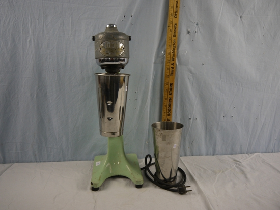 Arnold No. 17 malt mixer with 2 cups - works