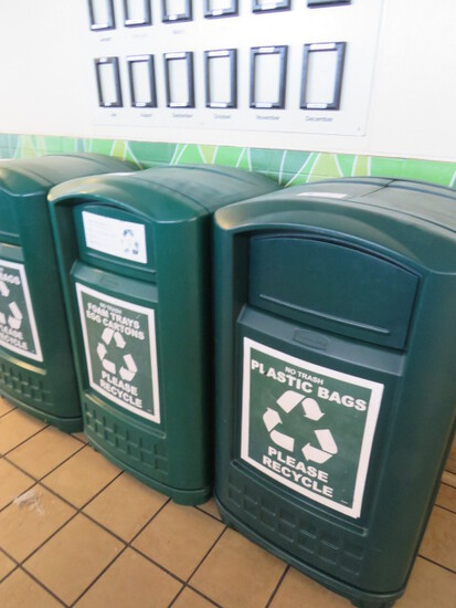 RUBBERMAID GREEN TRASH CANS