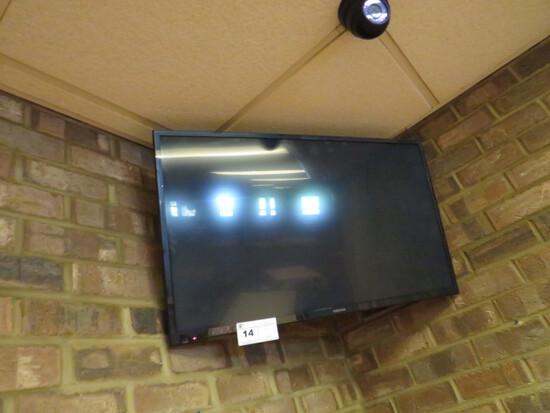 INSIGNIA FLAT SCREEN TV W/BRACKET