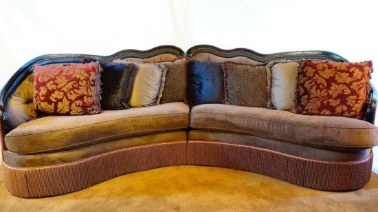 Velvet curved sofa w/ eight pillows