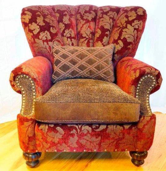 Velvet chair w/ one pillow