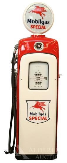 Martin & Schwartz/Wayne Model 80 Gas Pump Restored in Mobilgas Special Gasoline