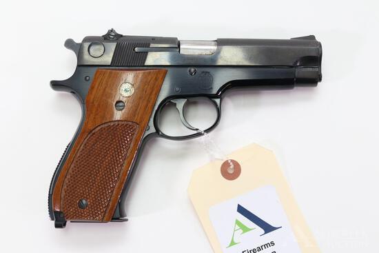 Smith & Wesson 39-2 Semi-Automatic Pistol.