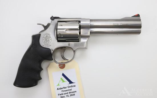 Smith & Wesson 629-5 Classic double action revolver