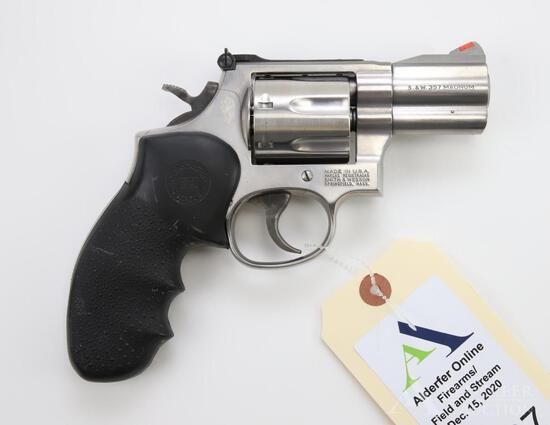 Smith & Wesson 686-5 double action revolver.