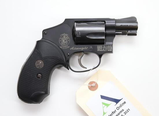 Smith & Wesson 442-1 Airweight Double Action Revolver