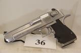 Desert Eagle, Model Magnum Research, Semi