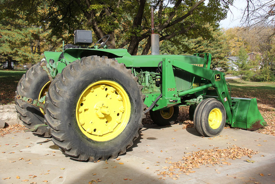 1970 John Deere 4020 Tractor with loader, 3109 Hr