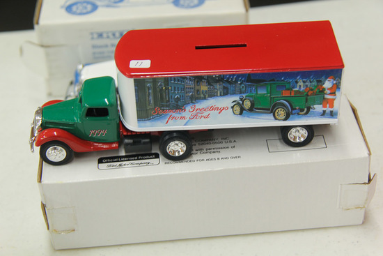 1/25 ERTL Ford Transport Bank  # B724UO, 1994