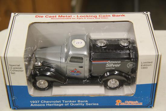 1/25 Liberty Classics 1937 Chevy Tanker Bank
