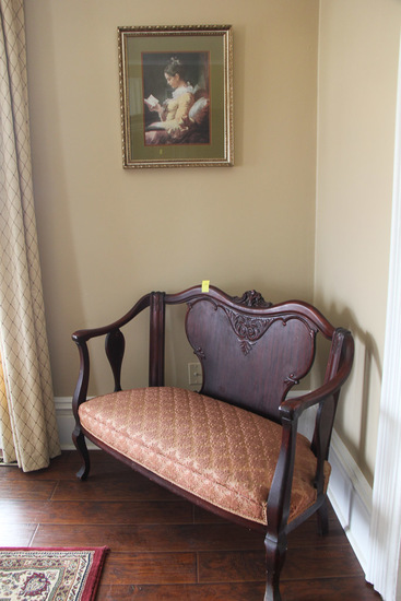 Picture and Vintage Settee
