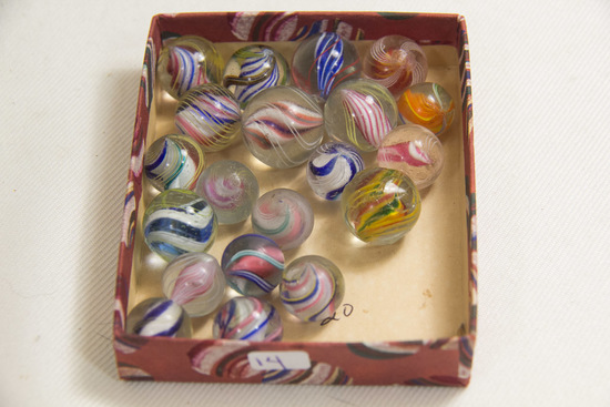 Box of 20 Swirl Marbles