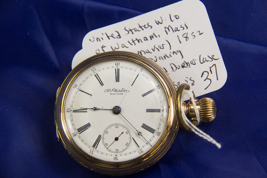 UNITED STATES WATCH COMPANY OF WALTHAM MASS 14 K - 11 JEWEL - GOLD FILLED CASE