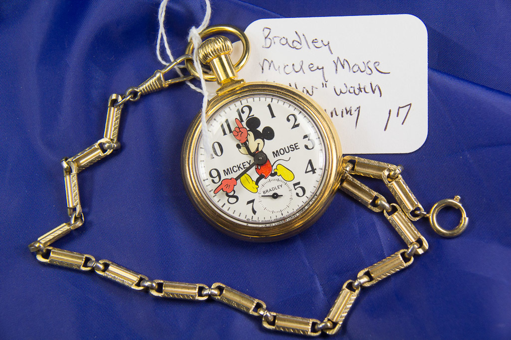 """BRADLEY """"MICKEY MOUSE""""  DOLLAR POCKET WATCH WITH CHAIN - RUNS"""