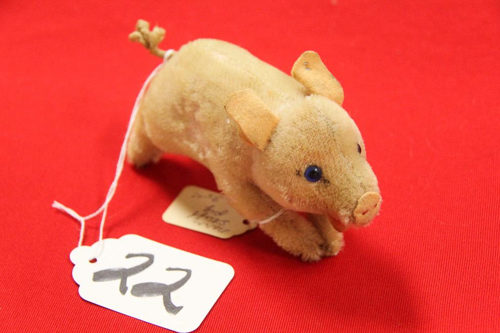 Small Steiff Pig