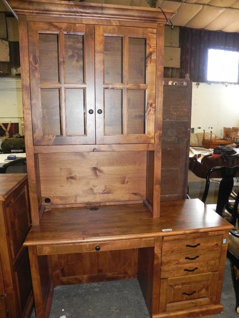 Woodley's 5 drawer desk with hutch style top