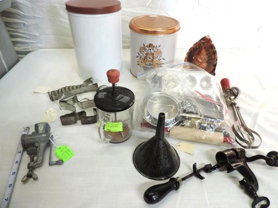 """Adorable salesman sample size 5"""" meat grinder and vintage kitchenware lot."""