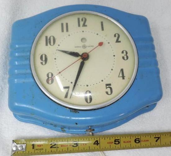 Vintage G.E electric blue metal clock.
