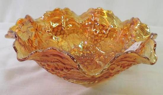 "9"" Imperial grape carnival bowl in excellent condition."
