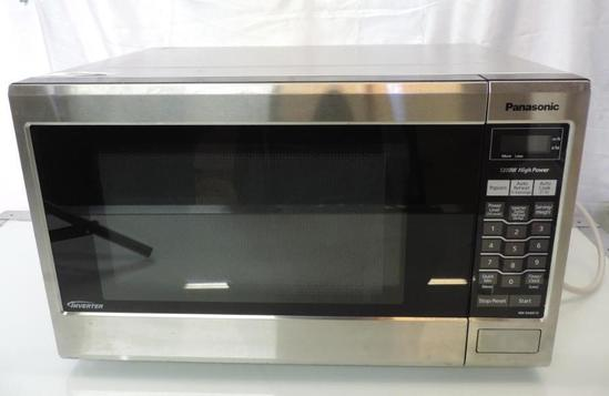 Panasonis stainless steel microwave (tested operable).