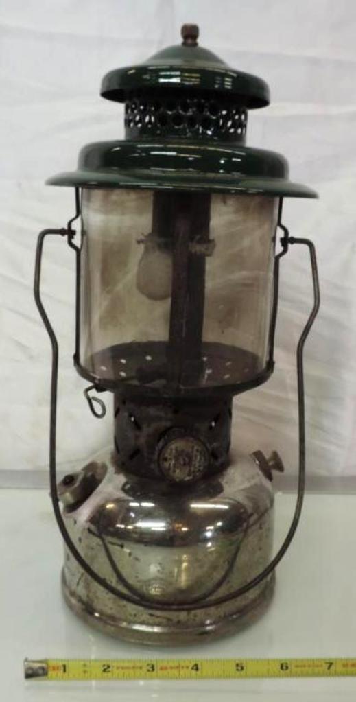 1929 patent Coleman 220B Sunshine of the night double mantle lantern.