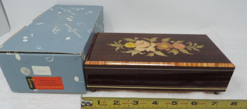 NOS condition Ruege Waltze of the flowers Swiss movement music box.