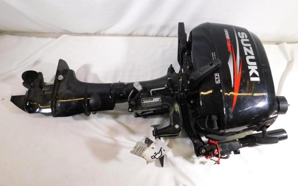 Suzuki 6 HP 4 stroke outboard boat motor