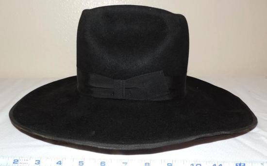 "Beaver Brand 10X size 7 1/4"" hat."