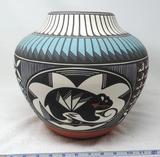 Aragon Acoma pottery vase.
