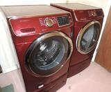 Samsung HE washer and dryer set with pedestals. Tested operable.