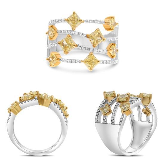 Designer 18k White & Yellow Gold Radiant Cut & Round Diamond Ring
